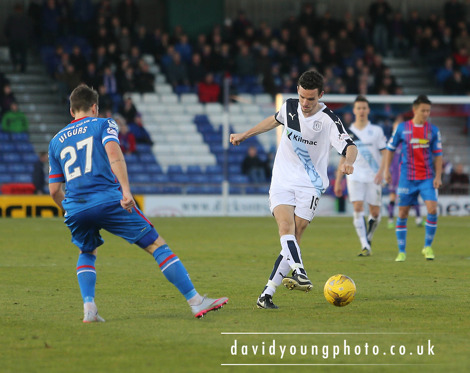 Dundee&rsquo;s Paul McGinnn and Inverness&rsquo; Iain Vigurs - Inverness Caledonian Thistle v Dundee at Caledonian Stadium, Inverness<br />