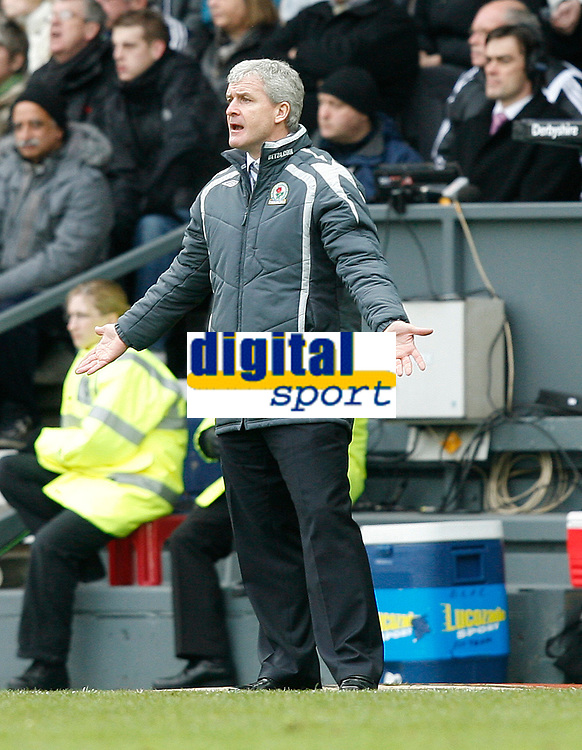 Photo: Steve Bond/Sportsbeat Images.<br />Derby County v Blackburn Rovers. The FA Barclays Premiership. 30/12/2007. Mark Hughes looks dismayed