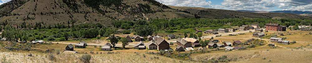MT00069-00...MONTANA - A panoramic view of historic Bannack, a ghost town in Bannack State Park.