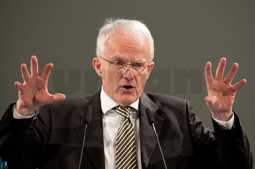"""11 JAN 2010, KOELN/GERMANY:<br /> Dr. Juergen Ruettgers, CDU, Ministerpraesident Nordrhein-Westfalen, dbb Jahrestagung """"Europa nach Lissabon - Fit fuer die Zukunft?"""", Messe Koeln<br /> IMAGE: 20100111-01-100<br /> KEYWORDS: Jürgen Rüttgers"""
