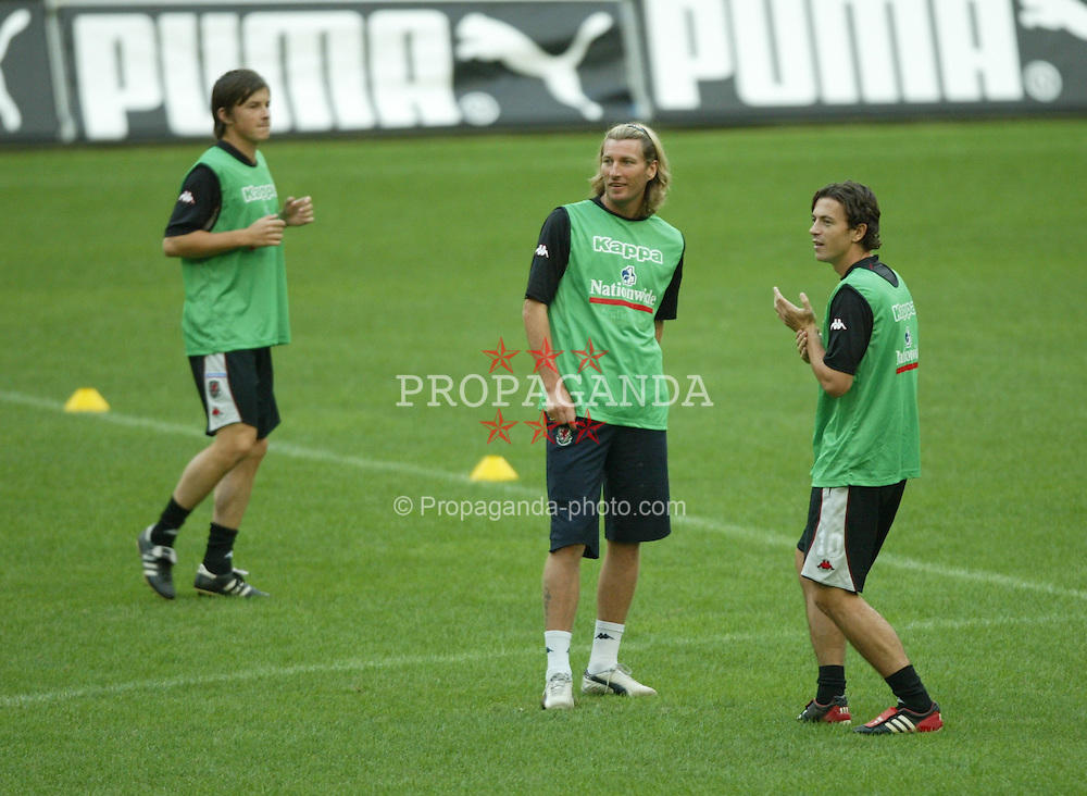 MILAN, ITALY - Thursday, September 4, 2003: Wales' Robbie Savage and Simon Davies training at the San Siro ahead of their Group 9 Euro 2004 qualifier against Italy. (Pic by David Rawcliffe/Propaganda)