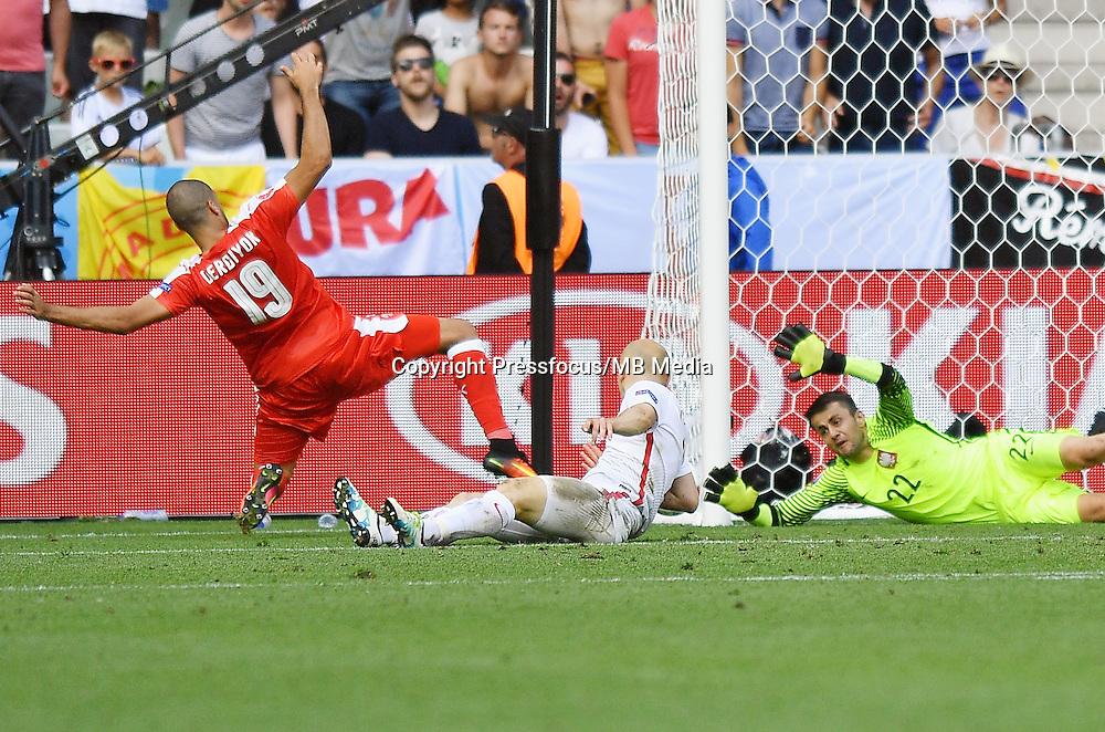 2016.06.25 Saint-Etienne<br /> Pilka nozna Euro 2016<br /> mecz 1/8 finalu Szwajcaria - Polska<br /> N/z Lukasz Fabianski<br /> Foto Lukasz Laskowski / PressFocus<br /> <br /> 2016.06.25<br /> Football UEFA Euro 2016 <br /> Round of 16 game between Switzerland and Poland<br /> Lukasz Fabianski<br /> Credit: Lukasz Laskowski / PressFocus