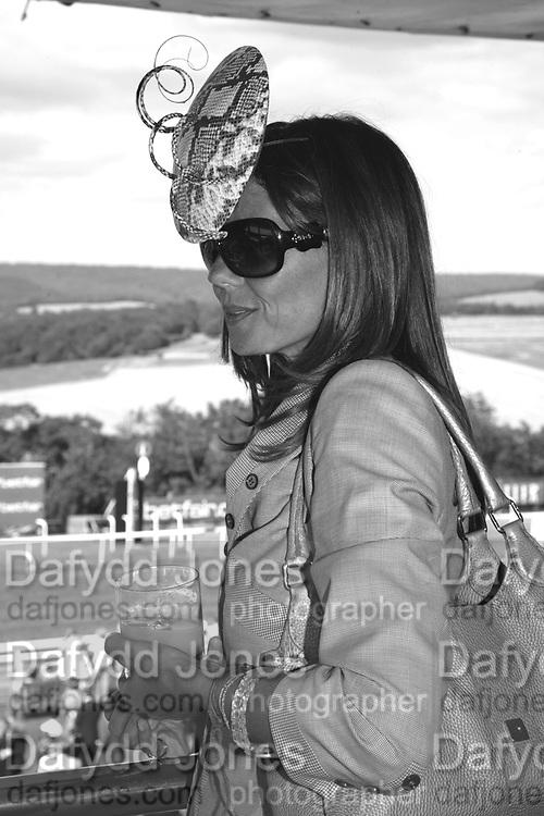 Countess Debbie von Bismarck, Glorious Goodwood. 31 July 2007.  -DO NOT ARCHIVE-© Copyright Photograph by Dafydd Jones. 248 Clapham Rd. London SW9 0PZ. Tel 0207 820 0771. www.dafjones.com.