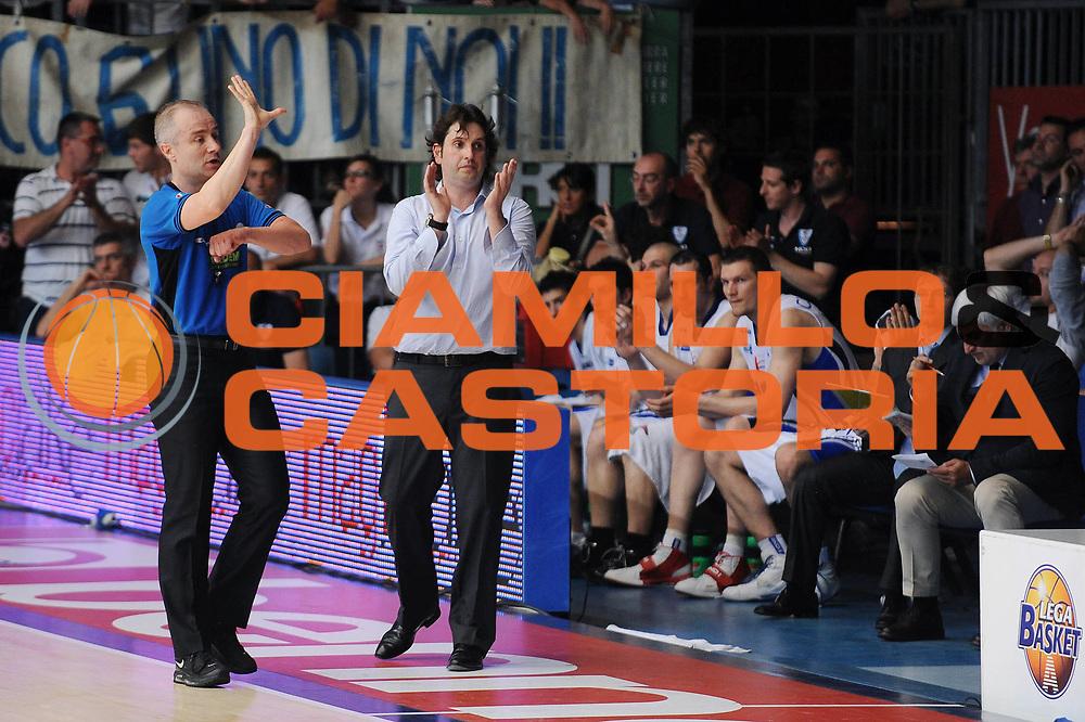 DESCRIZIONE : Cantu Lega A 2009-10 Playoff Semifinale Gara 3 NGC Medical Cantu Montepaschi Siena<br /> GIOCATORE : Coach Andrea Trinchieri<br /> SQUADRA : NGC Medical Cantu <br /> EVENTO : Campionato Lega A 2009-2010 <br /> GARA : NGC Medical Cantu Montepaschi Siena<br /> DATA : 05/06/2010<br /> CATEGORIA : ritratto<br /> SPORT : Pallacanestro <br /> AUTORE : Agenzia Ciamillo-Castoria/A.Dealberto<br /> Galleria : Lega Basket A 2009-2010 <br /> Fotonotizia : Cantu Lega A 2009-10 Playoff Semifinale Gara 3 NGC Medical Cantu Montepaschi Siena<br /> Predefinita :