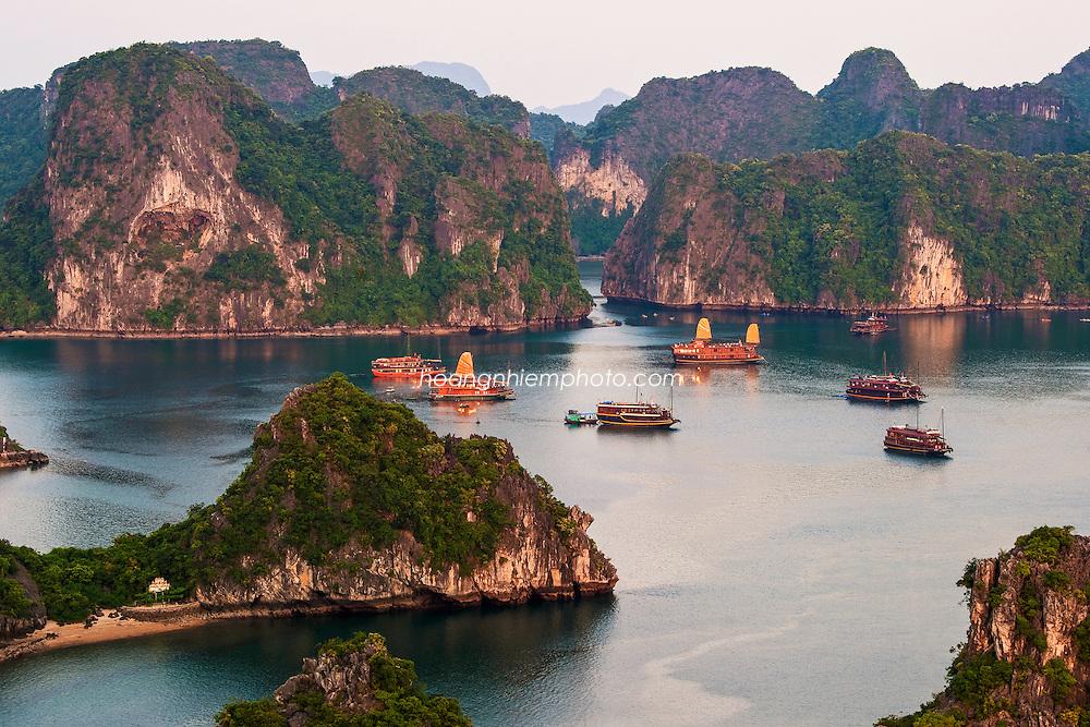 Vietnam Images-Ha Long bay-Unesco heritage hoàng thế nhiệm
