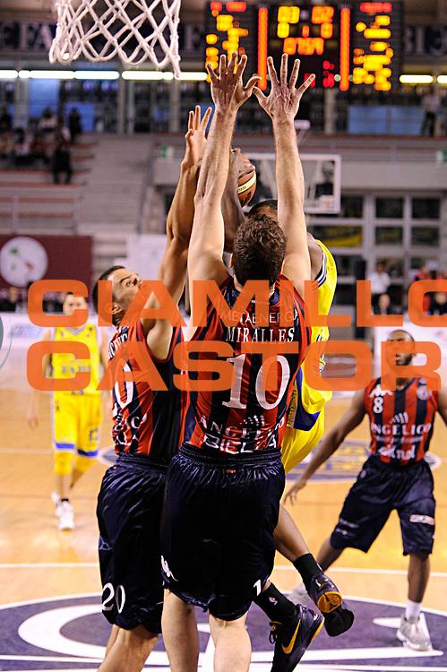 DESCRIZIONE : Ancona Lega A 2011-12 Fabi Shoes Montegranaro Angelico Biella<br /> GIOCATORE : Albert Miralles<br /> CATEGORIA : difesa mani<br /> SQUADRA : Angelico Biella<br /> EVENTO : Campionato Lega A 2011-2012<br /> GARA : Fabi Shoes Montegranaro Angelico Biella<br /> DATA : 13/11/2011<br /> SPORT : Pallacanestro<br /> AUTORE : Agenzia Ciamillo-Castoria/C.De Massis<br /> Galleria : Lega Basket A 2011-2012<br /> Fotonotizia : Ancona Lega A 2011-12 Fabi Shoes Montegranaro Angelico Biella<br /> Predefinita :