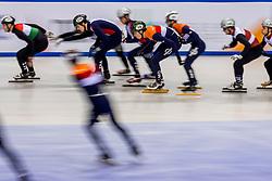 13-01-2018 DUI: ISU European Short Track Championships 2018 day 2, Dresden<br /> Relay mannen plaatsen zich voor de finale maar moeizaam, Dylan Hoogerwerf NED #18