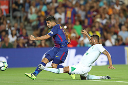 August 7, 2017 - Barcelona, Spain - Luis Suarez of FC Barcelona  kicks the ball to score a goal during the 2017 Joan Gamper Trophy football match between FC Barcelona and Chapecoense on August 7, 2017 at Camp Nou stadium in Barcelona, Spain. (Credit Image: © Manuel Blondeau via ZUMA Wire)