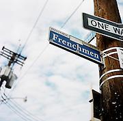 NEW ORLEANS, LA – OCTOBER 28, 2009: A street scene on Frechmen Street.