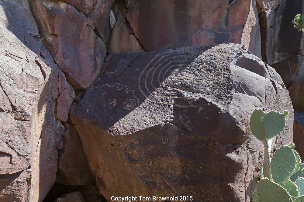 Petroglyph calendar from the Ancient Ones' showing the vernal equinox  with a sun dagger. Rarick Canyon, mogollon rim.
