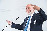 09 JUN 2016, BERLIN/GERMANY:<br /> Prof. Dr. Dr. h.c. mult. Hans-Werner Sinn, Oekonom und ehem. Praesident ifo Institut fuer Wirtschaftsforschung, Tag des deutschen Familienunternehmens, Stiftung Familienunternehmen, Hotel Adlon<br /> IMAGE: 20180609-01-057