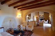 Spanien Spain,Mallorca Balearen..Son Amoixa Vell..Finca innen, Aufenthaltsraum..finca interior, lounge....