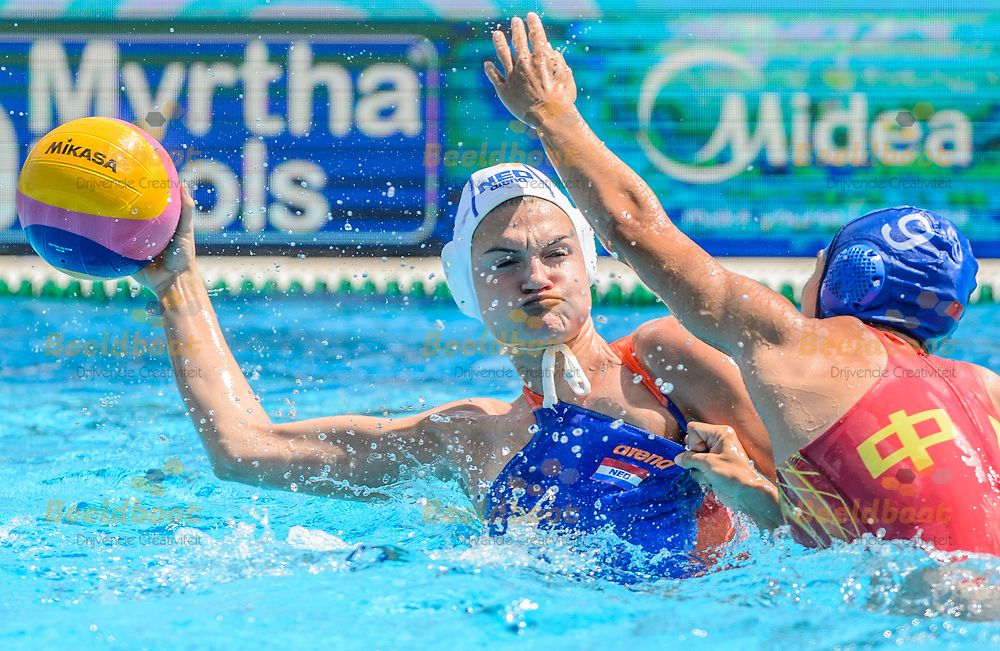 26-07-2017: Waterpolo: Nederland v China: Boedapest<br /> <br /> (L-R)  during the waterpolomatch between women Netherlands and China during the 17th FINA World Championships 2017 in Budapest, Hungary<br /> <br /> Photo / Foto: Gertjan Kooij