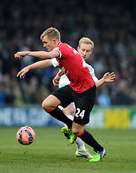 Manchester United's Darren Fletcher battles for the ball with Yeovil Town's Simon Gillett  - Photo mandatory by-line: Joe meredith/JMP - Mobile: 07966 386802 - 04/01/2015 - SPORT - football - Yeovil - Huish Park - Yeovil Town v Manchester United - FA Cup - Third Round