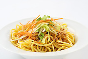 Cold Chinese noodles with bean sprouts