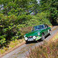 Car 80 Steve Robertson / Julia Robertson MG BGT V8