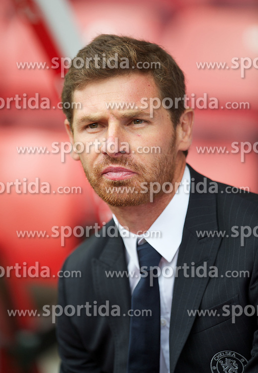 14.08.2011, Britannia Stadium, Stoke, ENG, PL, Stoke City FC vs Chelsea FC, im Bild Chelsea's manager Andre Villas-Boas during the Premiership match against Stoke City at the Britannia Stadium, EXPA Pictures © 2011, PhotoCredit: EXPA/ Propaganda/ D. Rawcliffe *** ATTENTION *** UK OUT!