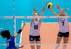 17-05-2016 JAP: OKT Thailand - Nederland, Tokio<br /> Nederland verslaat Thailand met klinkende cijfers 3-0 en is weer op koers voor Rio / Lonneke Sloetjes #10, Quinta Steenbergen #7