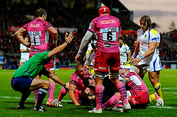 Clermont Winger (#11) Napolioni Nalaga (hidden) sneaks over for the first try of the game during the first half of the match - Photo mandatory by-line: Rogan Thomson/JMP - Tel: Mobile: 07966 386802 20/10/2012 - SPORT - RUGBY - Sandy Park Stadium - Exeter. Exeter Chiefs v ASM Clermont Auvergne - Heineken Cup Round 2