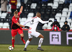 24.02.2018, BSFZ Arena, Maria Enzersdorf, AUT, 1. FBL, FC Flyeralarm Admira vs FK Austria Wien, 24. Runde, im Bild Lukas Grozurek (FC Flyeralarm Admira) und Ruan Renato Bonifacio Augusto (FK Austria Wien) // during Austrian Bundesliga Football 24nd round match between FC Flyeralarm Admira vs FK Austria Wien at the BSFZ Arena, Maria Enzersdorf, Austria on 2018/02/24. EXPA Pictures © 2018, PhotoCredit: EXPA/ Thomas Haumer