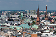 Blick vom Michel über die Stadt, Rathaus, St. Petri, Hamburg, Deutschland.|.view from tower of St. Michaelis church, guild hall, St. Petri, Hamburg, Germany