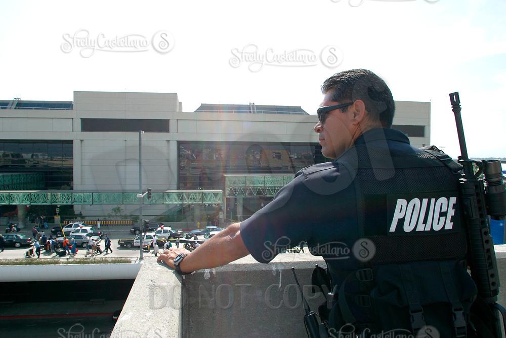 Jul 04, 2002; Los Angeles, CA, USA; LAPD sharp shooter across from the Tom Bradley Inernational terminal at Los Angeles International airport.<br />Mandatory Credit: Photo by Shelly Castellano/ZUMA Press.<br />(&copy;) Copyright 2002 by Shelly Castellano
