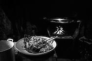 Preparando la paella. Photo @ Antonio Nodar/Imagenes libres