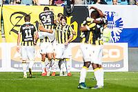 ARNHEM - Vitesse - FC Groningen , Voetbal , Eredivisie, Seizoen 2015/2016 , Gelredome , 03-10-2015 , Spelers van Vitesse vieren de 1-0 van Dominic Solanke