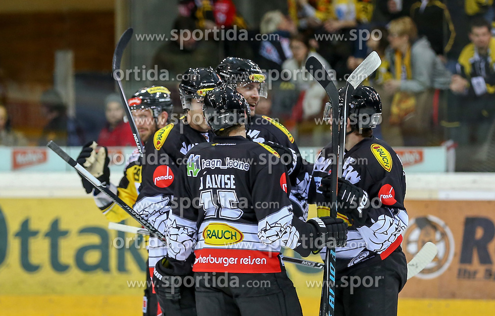 30.01.2015, Albert Schultz Eishalle, Wien, AUT, EBEL, UPC Vienna Capitals vs Dornbirner Eishockey Club, 43. Runde, im Bild Olivier Magnan Grenier (Dornbirner Eishockey Club) , Chris D Alvise (Dornbirner Eishockey Club) , Jonathan D Aversa (Dornbirner Eishockey Club) und Martin Grabher Meier (Dornbirner Eishockey Club) // during the Erste Bank Icehockey League 43th round match between UPC Vienna Capitals and Dornbirner Eishockey Club at the Albert Schultz Ice Arena in Vienna, Austria on 2015/01/30. EXPA Pictures © 2015, PhotoCredit: EXPA/ Alexander Forst