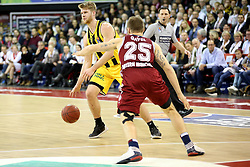 09.12.2017, Audi Dome, Muenchen, GER, EasyCredit BBL, FC Bayern Muenchen Basketball vs MHP Riesen Ludwigsburg, 12. Runde, im Bild Anton Gavel (Muenchen) stellt einen Block gegen Thomas Walkup (Ludwigsburg) // during the easyCredit Basketball Bundesliga 12th round match between MHP Riesen Ludwigsburg and 12.Spieltag at the Audi Dome in Muenchen, Germany on 2017/12/09. EXPA Pictures &copy; 2017, PhotoCredit: EXPA/ Eibner-Pressefoto/ Marcel Engelbrecht<br /> <br /> *****ATTENTION - OUT of GER*****