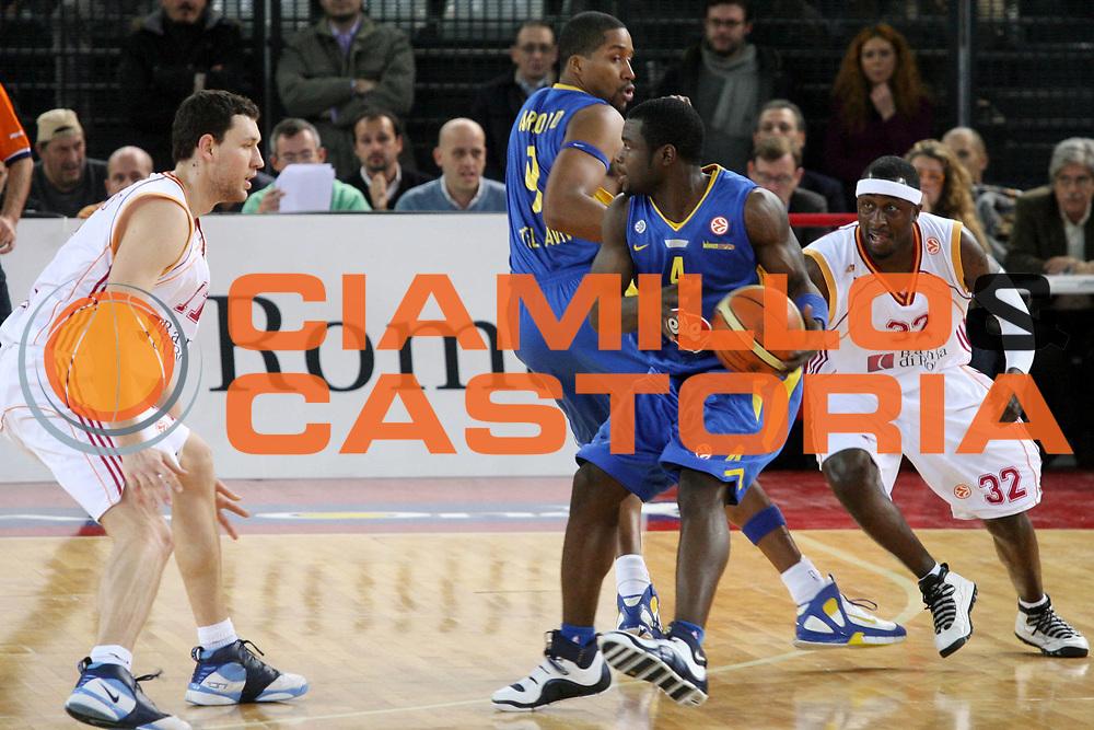 DESCRIZIONE : Roma Eurolega 2006-07 Lottomatica Virtus Roma Maccabi Tel Aviv <br />GIOCATORE : Bynum Chatman<br />SQUADRA : Lottomatica Virtus Roma <br />EVENTO : Eurolega 2006-2007 <br />GARA : Lottomatica Virtus Roma Maccabi Tel Aviv <br />DATA : 04/01/2007 <br />CATEGORIA : Palleggio Blocco<br />SPORT : Pallacanestro <br />AUTORE : Agenzia Ciamillo-Castoria/G.Ciamillo