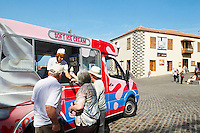 Espagne. Iles Canaries. Tenerife. Puerto de la Cruz. Marchand de glace. // Spain. Canary islands. Tenerife. Puerto de la Cruz. Ice cream shop.