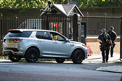 © Licensed to London News Pictures. 25/05/2020. London, UK. A car carrying DOMINIC CUMMINGS, advisor to British Prime Minister Boris Johnson, is seen arriving at Downing Street in Westminster covered in a substance that looks like egg. Cummings is under pressure following reports he traveled to Country Durham to see family during Lockdown. Government has announced a series of measures to slowly ease lockdown, which was introduced to fight the spread of the COVID-19 strain of coronavirus. Photo credit: Ben Cawthra/LNP