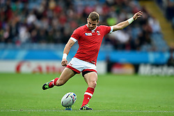Gordon McRorie of Canada kicks for the posts - Mandatory byline: Patrick Khachfe/JMP - 07966 386802 - 06/10/2015 - RUGBY UNION - Leicester City Stadium - Leicester, England - Canada v Romania - Rugby World Cup 2015 Pool D.