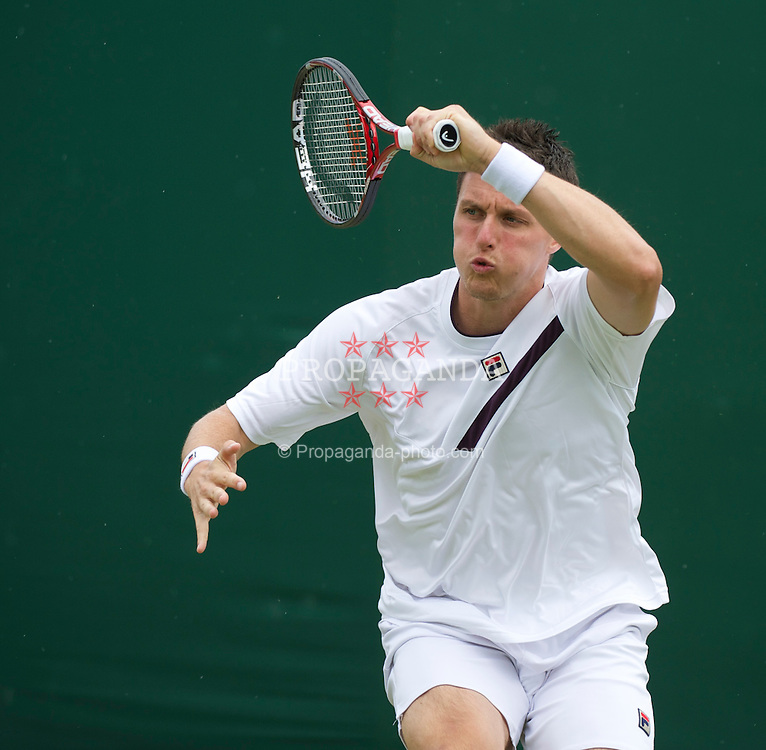 LONDON, ENGLAND - Thursday, June 23, 2011: Kenneth Skupski (GBR) in action during the Gentlemen's Doubles on day four of the Wimbledon Lawn Tennis Championships at the All England Lawn Tennis and Croquet Club. (Pic by David Rawcliffe/Propaganda)