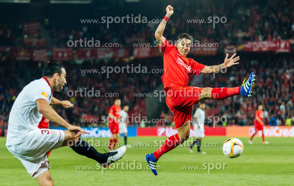 18.05.2016, St. Jakob Park, Basel, SUI, UEFA EL, FC Liverpool vs Sevilla FC, Finale, im Bild Adil Rami (FC Sevilla), Roberto Firmino (FC Liverpool) // Adil Rami (FC Sevilla) Roberto Firmino (FC Liverpool) during the Final Match of the UEFA Europaleague between FC Liverpool and Sevilla FC at the St. Jakob Park in Basel, Switzerland on 2016/05/18. EXPA Pictures © 2016, PhotoCredit: EXPA/ JFK
