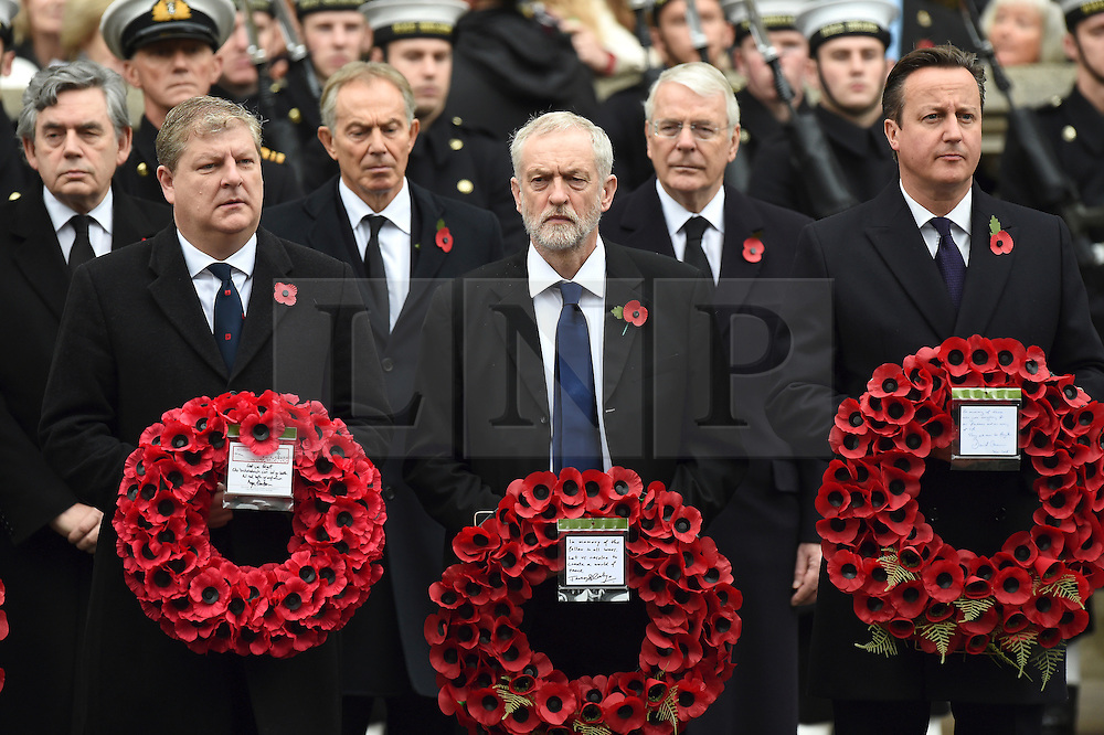 © Licensed to London News Pictures. 08/11/2015. London, UK. GORDON BROWN, TONY BLAIR, JEREMY CORBYN, JOHN MAJOR and DAVID CAMEON holding wreaths as they attend the Remembrance Sunday Service at the Cenotaph in Westminster, Central London.. Photo credit: Ben Cawthra/LNP