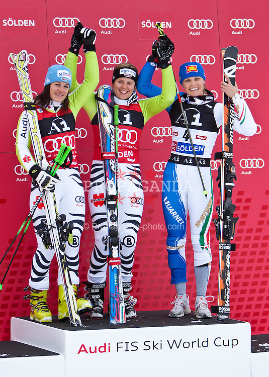 23.10.2010, Rettenbachferner, Soelden, AUT, FIS World Cup Ski Alpin, Lady, 2nd run, im Bild zweitplazierte HOELZL Kathrin, GER, Ski Fischer, #2, siegerin REBENSBURG Viktoria, GER, Ski Nordica, #1, drittplazierte MOELGG Manuela, ITA, Ski Rossignol, #4,  EXPA Pictures © 2010, PhotoCredit: EXPA/ J. Groder