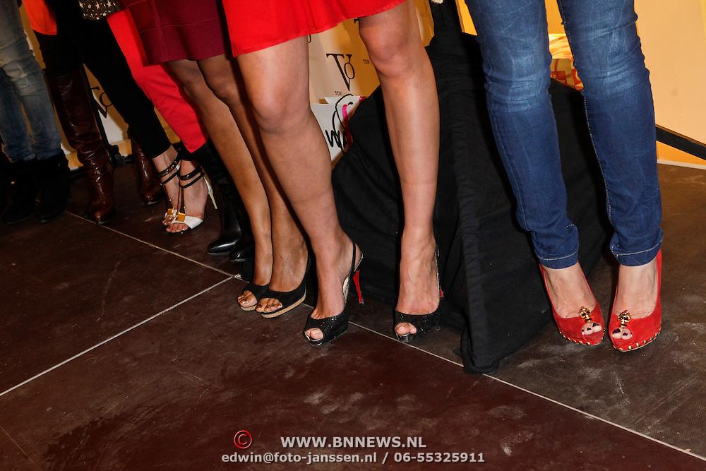 NLD/Amstelveen/20120216 - Presentatie Charityarmband Rode Kruis,