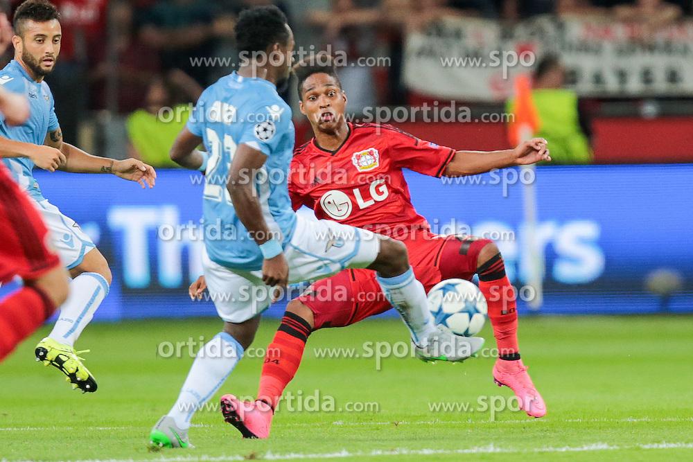 26.08.2015, BayArena, Leverkusen, GER, UEFA CL, Bayer 04 Leverkusen vs Lazio Rom, Playoff, R&uuml;ckspiel, im Bild v.l. Ogenyi Onazi (#23, Lazio Rom) mit Wendell (#18, Bayer 04 Leverkusen) // during UEFA Champions League Playoff 2nd Leg match between Bayer 04 Leverkusen and SS Lazio at the BayArena in Leverkusen, Germany on 2015/08/26. EXPA Pictures &copy; 2015, PhotoCredit: EXPA/ Eibner-Pressefoto/ Deutzmann<br /> <br /> *****ATTENTION - OUT of GER*****