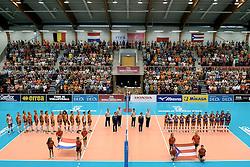 08-08-2014 NED: FIVB Grand Prix Nederland - Puerto Rico, Doetinchem<br /> Topsporthal Doetinchem goed gevuld, line up Nederland - Puerto Rico