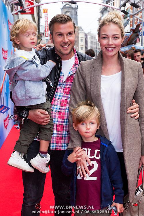 NLD/Amsterdam/20130921 - Premiere Planes, Winston Gerstanowitz, partner Renate Verbaan en kinderen Julian, Benjamin