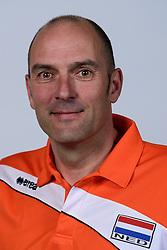 06-05-2014 NED: Selectie Nederlands zitvolleybal team vrouwen, Leersum<br /> In sporthal De Binder te Leersum werd het Nederlands team zitvolleybal seizoen 2014-2015 gepresenteerd /  Coach Pim Scherpenzeel