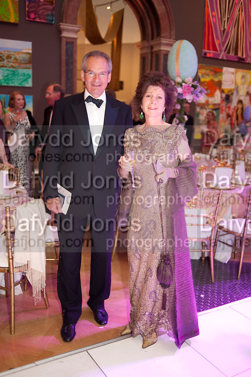 ROBERT WALEY-COHEN; FELICITY WALEY-COHEN, Triennial Summer Ball, Royal Academy. Piccadilly. London. 20 June 2011. <br /> <br />  , -DO NOT ARCHIVE-&copy; Copyright Photograph by Dafydd Jones. 248 Clapham Rd. London SW9 0PZ. Tel 0207 820 0771. www.dafjones.com.