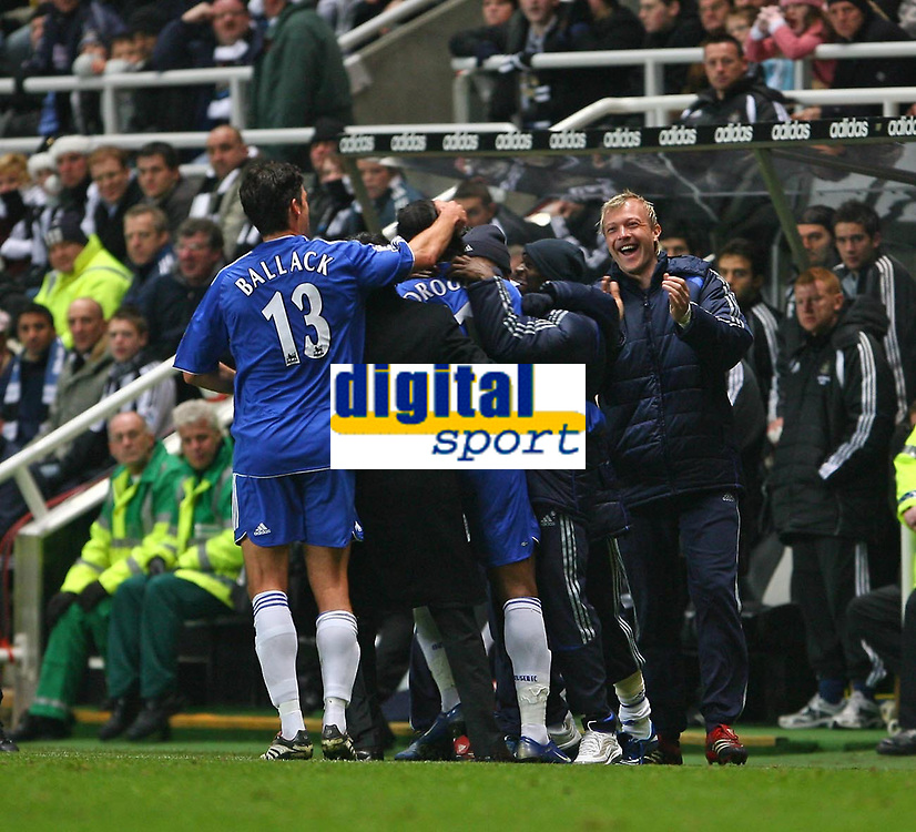 Photo: Andrew Unwin.<br /> Newcastle United v Chelsea. Carling Cup. 20/12/2006.<br /> Chelsea celebrate Didier Drogba's goal.