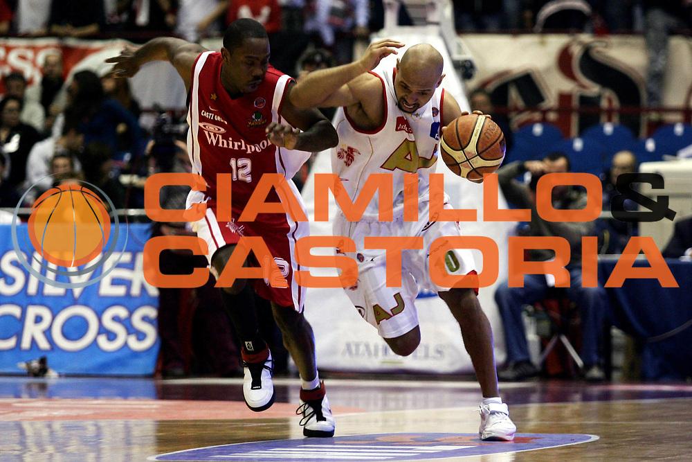 DESCRIZIONE : Milano Lega A1 2006-07 Armani Jeans Milano Whirlpool Varese<br /> GIOCATORE : Garris<br /> SQUADRA : Armani Jeans Milano<br /> EVENTO : Campionato Lega A1 2006-2007<br /> GARA : Armani Jeans Milano Whirlpool Varese<br /> DATA : 18/02/2007<br /> CATEGORIA : Penetrazione<br /> SPORT : Pallacanestro<br /> AUTORE : Agenzia Ciamillo-Castoria/L.Lussoso