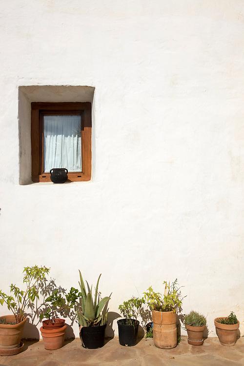 29/Octubre/2009 Ibiza<br /> Agroturismo Can Escandell. Ventana habitaci&oacute;n Sa Casa de Baix<br /> <br /> &copy; JOAN COSTA