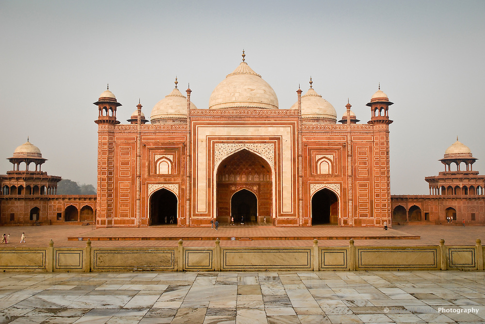 The Mosque or Masjid at the Taj Mahal in Agra, Uttar Pradesh, India