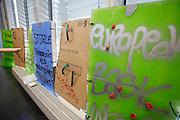 Frankfurt am Main | 03.06.2013<br /> <br /> Am Montag (03.06.2013) findet im Polizeipr&auml;sidium Frankfurt eine Pressekonferenz statt, bei der der Boris Rhein (CDU, Innenminister Hessen und Harald Schneider (Polizei Frankfurt, Einsatzleiter) versuchen, den brutalen und skandal&ouml;sen Polizeieinsatz gegen die Blockupy-Demoam Samstag (01.06.2013) zu rechtfertigen, es werden Gegenst&auml;nde gezeigt, die die Demonstranten angeblich mitgef&uuml;hrt haben, dieses werten Polizei und Innenminister als Staftaten.<br /> Hier: Beschriftete Styroporplatten etc. sind ausgestellt.<br /> <br /> &copy;peter-juelich.com<br /> <br /> [No Model Release | No Property Release]