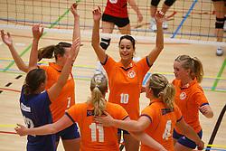 06-10-2012 VOLLEYBAL: TOPDIVISIE VROUWEN KING SOFTWARE VCN - LONGA 59 : CAPELLE AAN DEN IJSSEL<br /> Speelsters van Longa 59 vieren een punt, Janneke Wesselink, Marije van de Velde, Rianne Nijhof, Nora van der Bend, Jorike Greven en Madelon van den Berg<br /> ©2012-FotoHoogendoorn.nl / Pim Waslander